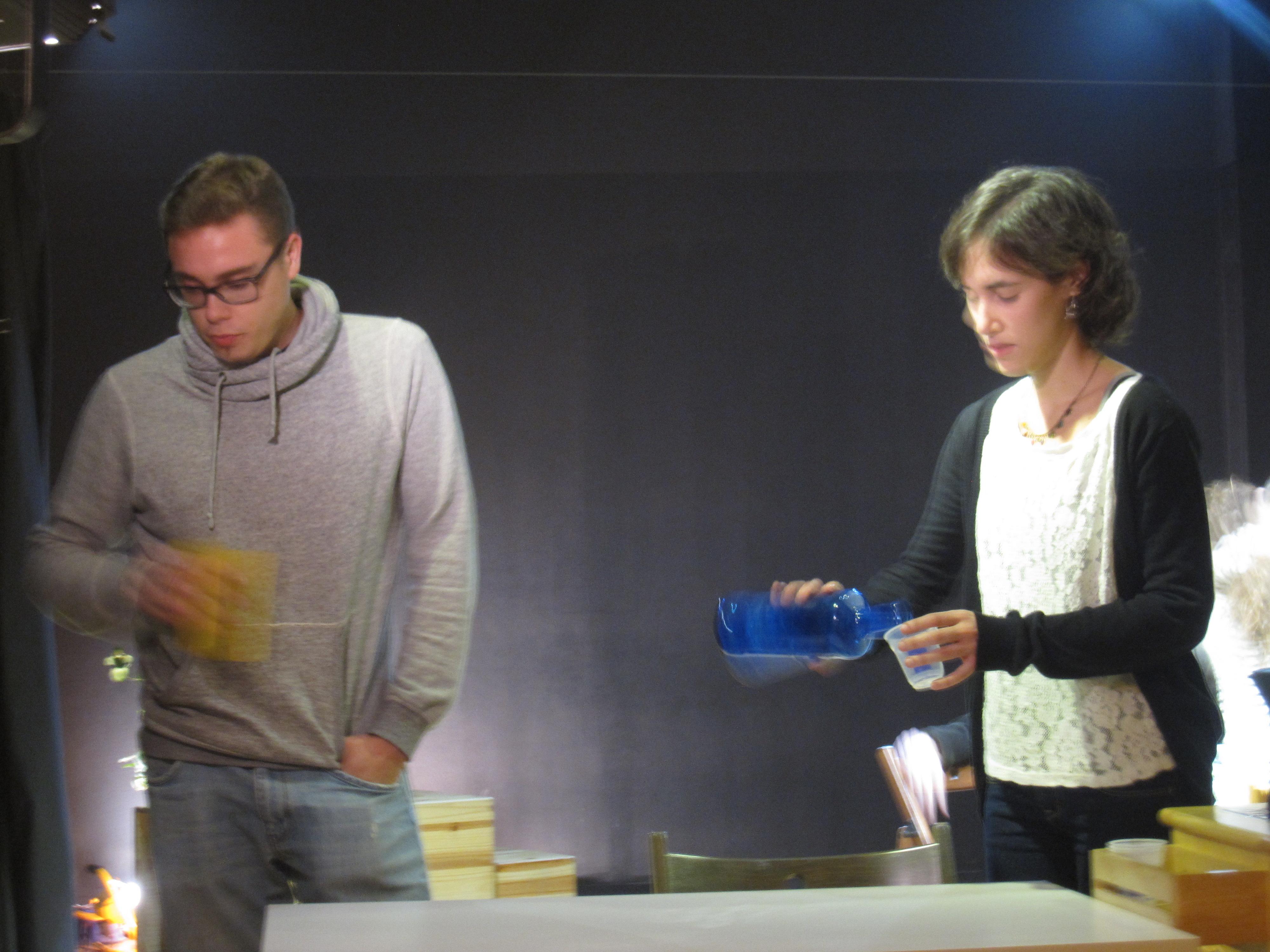 """Escena de """"Família"""", amb Anna Molas i Andy Ribas. Novembre 2013"""